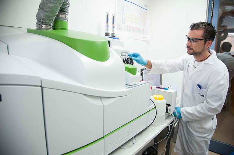 laboratory specialized in plant fertility